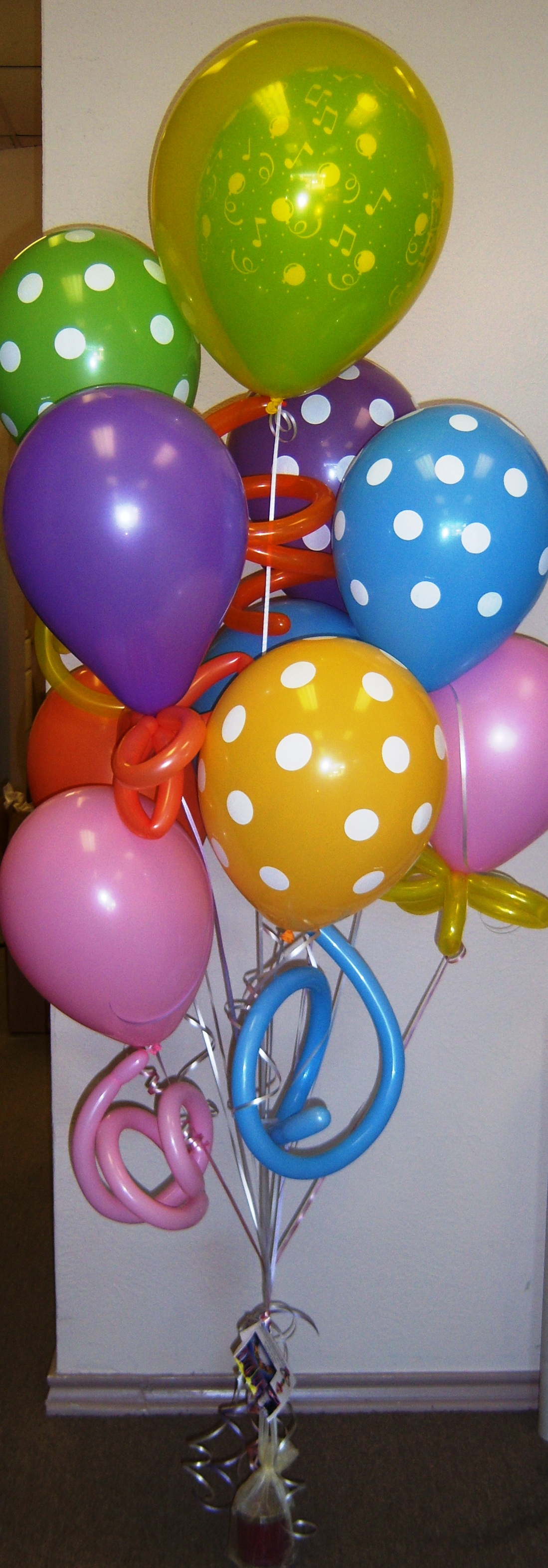 Balloon bouquet party favors ideas